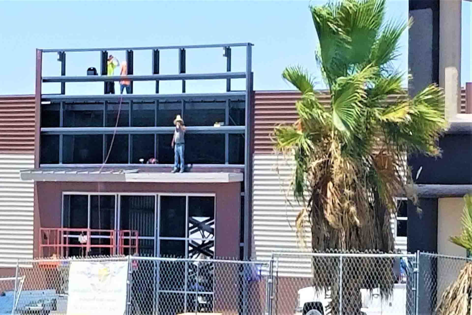 5 tips to finding a commercial roofing contractor