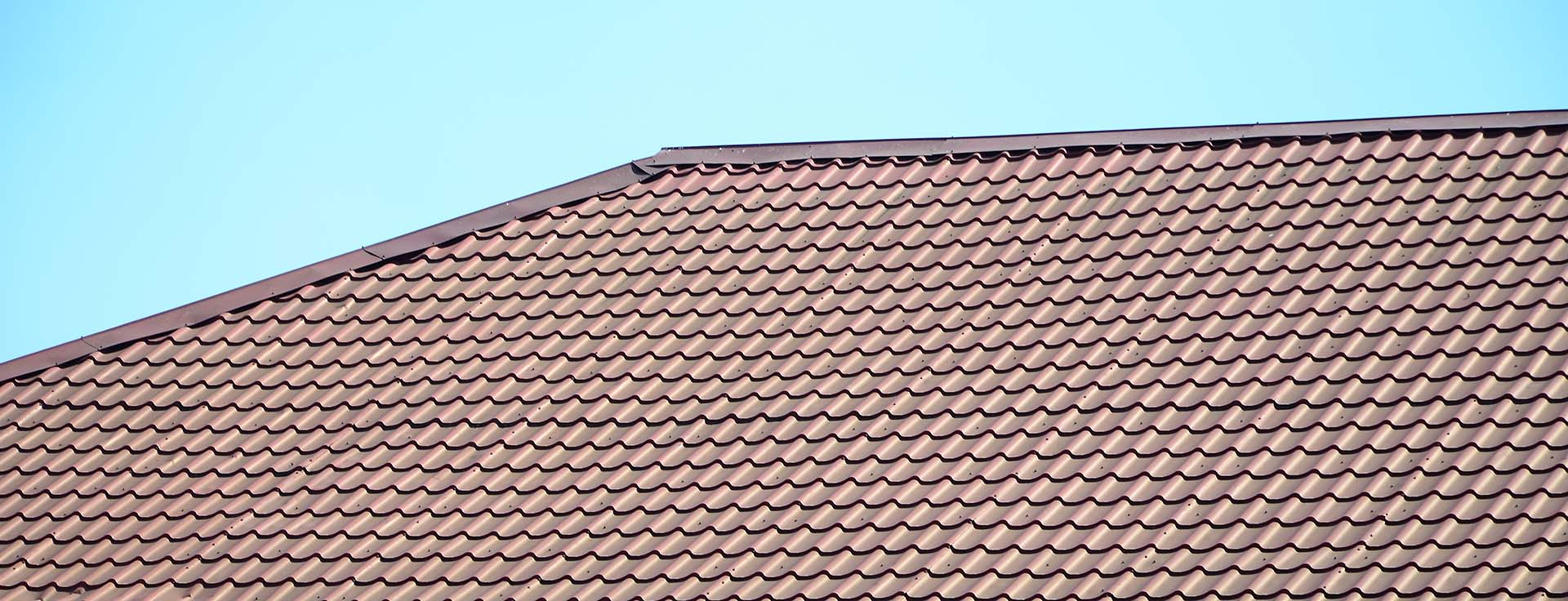 Key factors to consider when choosing a roofing material